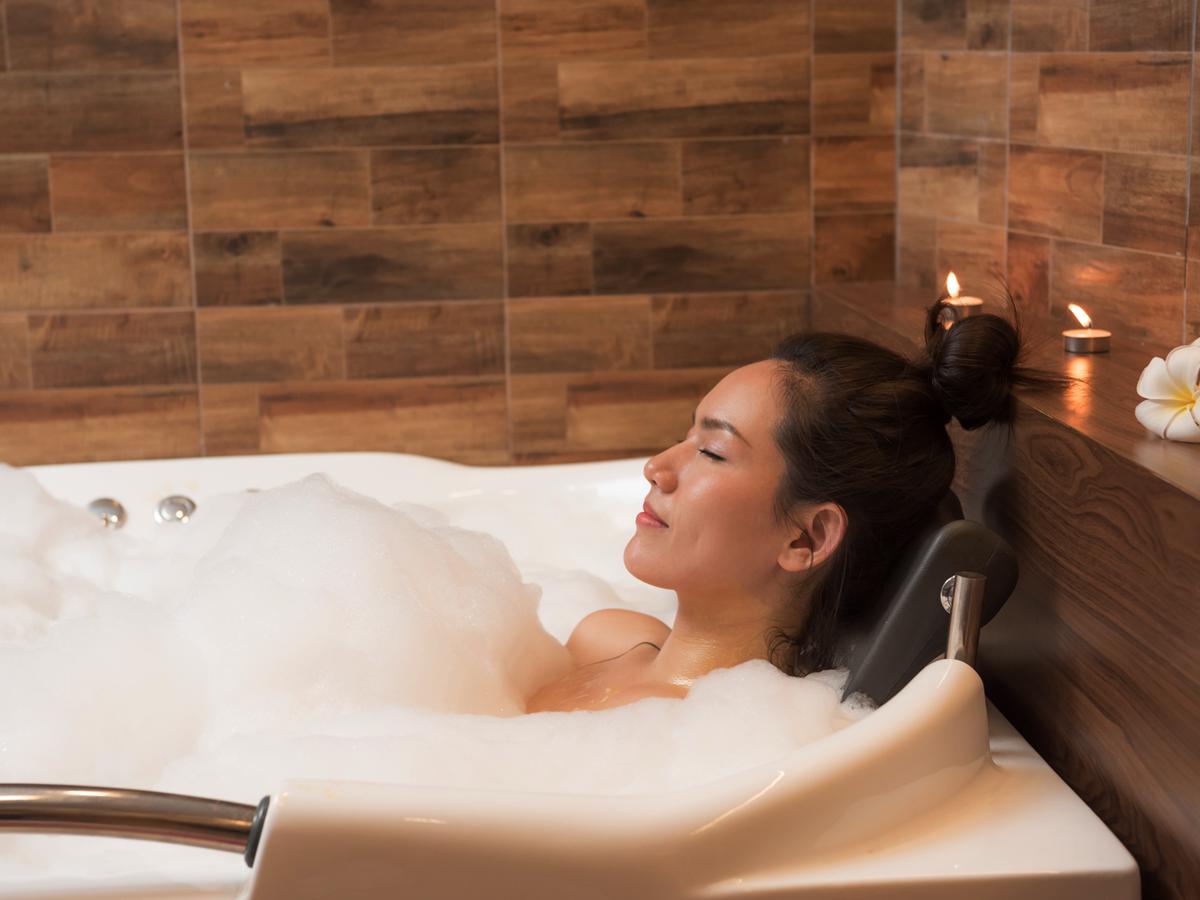 Benefícios médicos do banho de spa da Jacuzzi